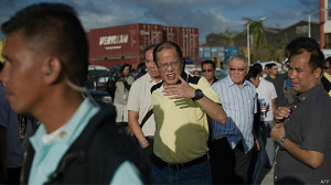 Aquino visitou Tacloban e criticou autoridades locais