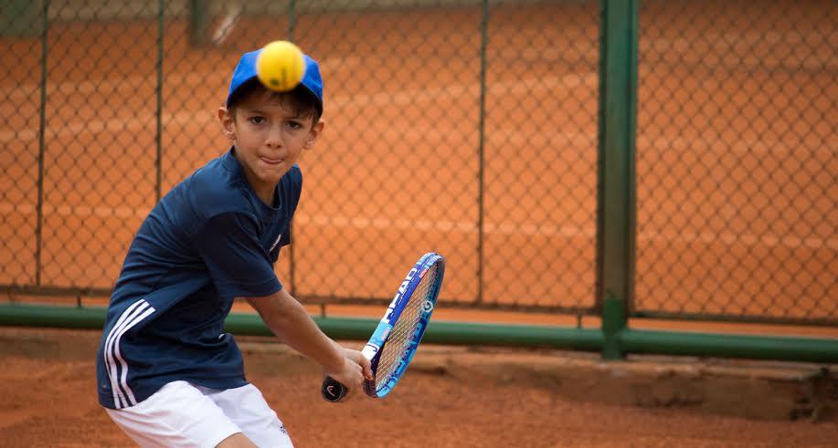 Circuito Tenis : Federação abre inscrições para circuito de tênis com